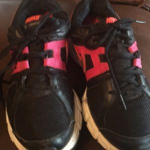 Nike downshifters black, pink, white tennis